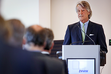 JHV 2020 - DuMont Schütte - Rednerpult