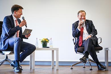 JHV 2020 - Armin Laschet im Gespräch mit RP-Chefredakteur Moritz Döbler